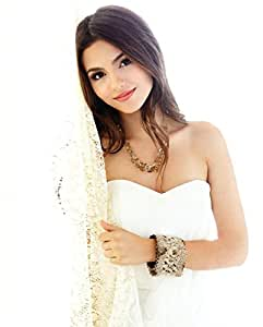 Innocent Victoria Justice A3 (297 x 420 mm)-Patte adhésive repositionnable & Poster FS1275