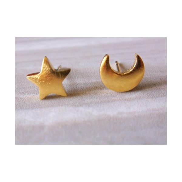 Gold Plate Star and Moon Stud Earrings 41VAvNILnJL