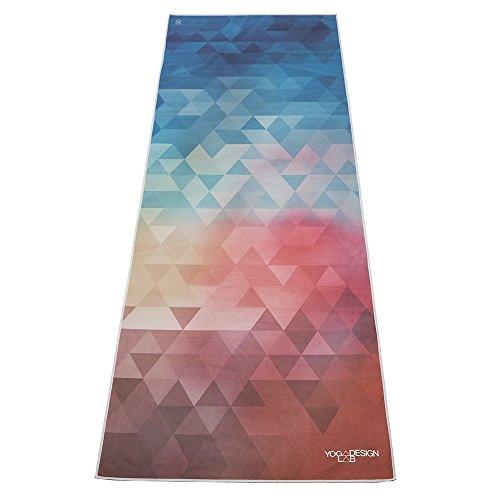 Das Öko Hot Yoga Handtuch. Rutschfest und leicht. Sehr saugfähiges Mikrofaser Handtuch, dass in nur wenigen Minuten trocknet. Waschmaschinenfest. (Tribeca Love)