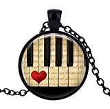 Générique–Collar con Colgante de Teclas de Piano, Corazón Rojo.