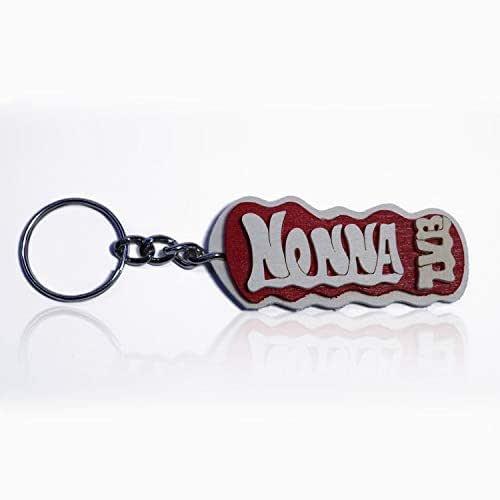 Portachiavi in legno fatto a mano personalizzato con la scritta Nonna TVB, da indossare o per fare un regalo originale.