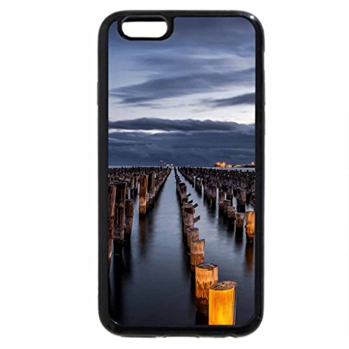 iPhone 6S / iPhone 6 Case (Black) rows and rows of wooden pylons