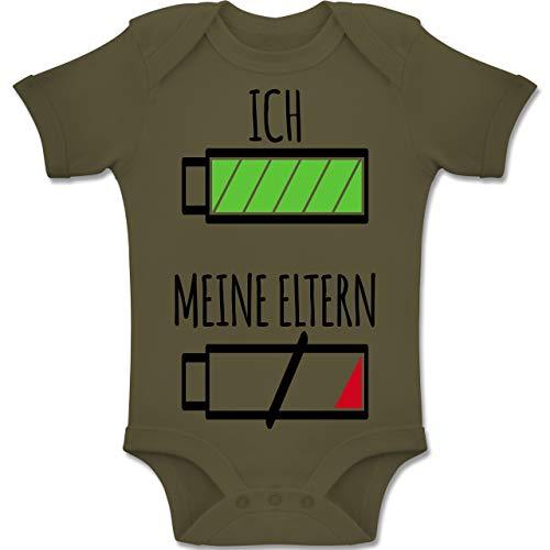 Motive - Ich und Meine Eltern Batterie - 3-6 Monate - Olivgrün - BZ10 - Baby Body Kurzarm Jungen Mädchen ()