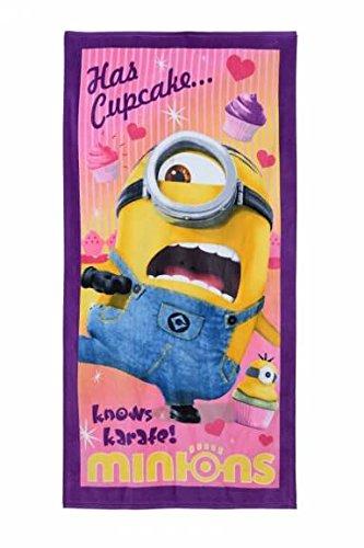 Minions Stuart Has Cupcake...knows karate! Handtuch, Strandtuch, Badetuch für Kinder, Mädchen und Jungen, aus 100% Baumwolle (Große Minion Lila)