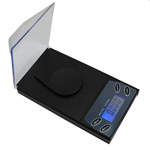 Presupuesto Capacidad: 20g Legibilidad: 0.001g Tamaño: 11.5 x 6.5 x 1.5cm Potencia: 4 pilas AAA (incluidas) Calibración: 2 x 10g ¡Lo tenemos cubierto! La báscula tiene varios modos de medición que seguramente podrán satisfacer sus necesidades. Incluy...