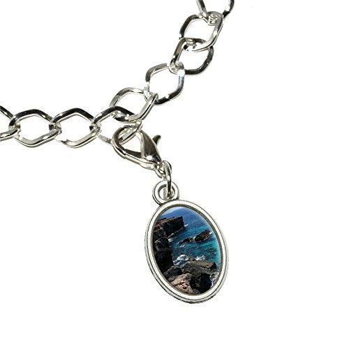 caribee-mallorca-cala-rocky-shore-ocean-bleu-deau-bracelet-plaque-argent-avec-charme-ovale-en