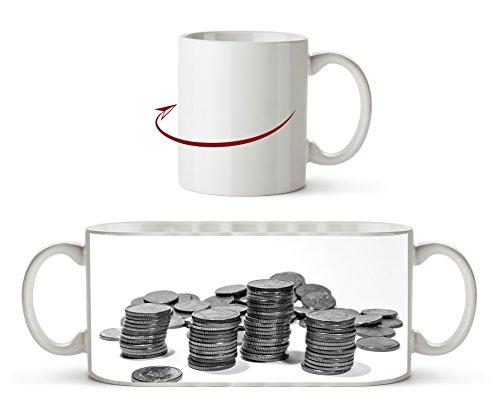 Stapel Münzgeld Effekt: Schwarz/Weiß als Motivetasse 300ml, aus Keramik weiß, wunderbar als Geschenkidee oder ihre neue Lieblingstasse. (Dollar Radiergummi)