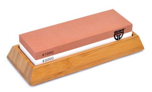 GRÄWE Wetzstein Körnung 1000/3000 - Schleifstein aus Korund mit rutschfestem Bambus-Halter