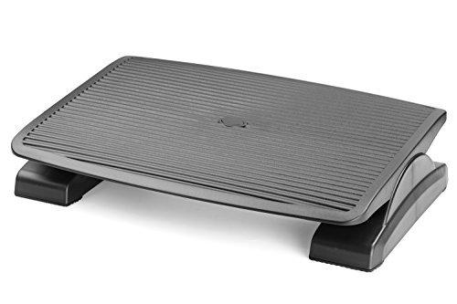 Halter F7012 Reposapiés ergonómico con ángulo ajustable de 0 a 20º. Dimensiones: 45 cm de ancho por 35 de profundidad.