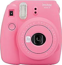 62x46mm, integrierter Selfie-Spiegel, 60mm Objektiv, f/12.7, 1/60s Verschlusszeit, Fokus: 0.6m, Lieferumfang: Kamera; Batterien; Trageschlaufe; Bedienungsanleitung; Selfielinse, Abmessungen (BxHxT): 116x118.3x68.2mm, 307gTechnische Details Produktfar...