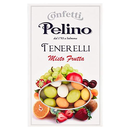 Scatola da 300 grammi di Tenerelli, cioè confetti in cui la mandorla è ricoperta da uno strato di cioccolato bianco aromatizzato alla frutta. Questi prodotti tipici della tradizione dolciaria italiana sono irrinunciabili in ogni cerimonia, dal matrim...