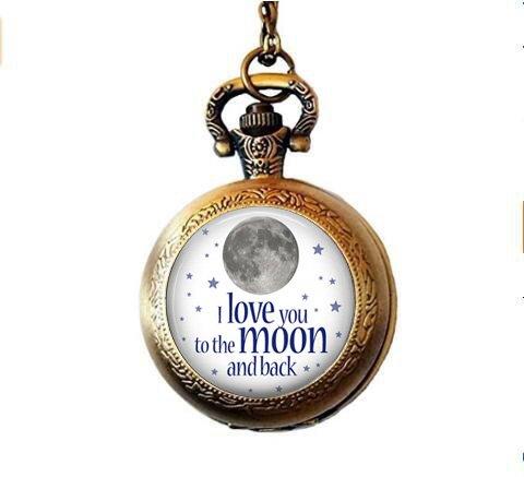 b2b I Love You to The Moon and Back auf Weißem Hintergrund Taschenuhr Halskette