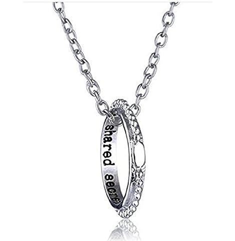 Anhänger Halskette mit einem Ring von Form mit Dekoration und Außen mit schriftlicher Shared Secrets (Secrets (Familien Gemeinsam Auf Weihnachten)