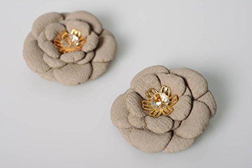 Spangen Designer (Leder Haarspangen Set 2 Stuck in Form von Blumen in Beige Designer Kopfschmuck)