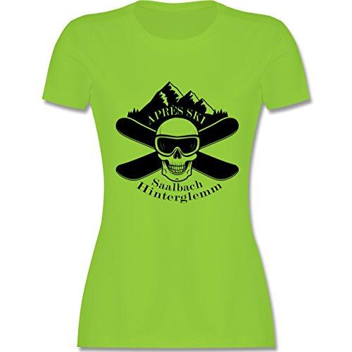 Après Ski - Apres Ski Saalbach Hinterglemm Totenkopf - tailliertes Premium T-Shirt mit Rundhalsausschnitt für Damen Hellgrün