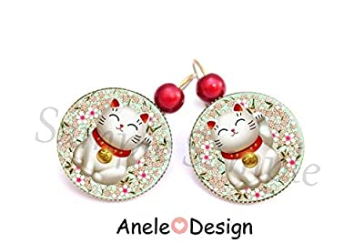 Boucles d'oreilles Chat porte bonheur japonais, cœur rose, chat maneki neko, fleurs sakura, pomme, perles