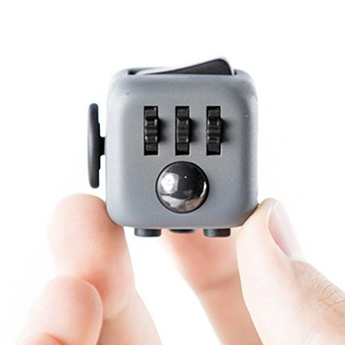 Preisvergleich Produktbild Fidget Cube ceavis Creative Würfel Büro Spielzeug der Angst Aufmerksamkeit Maschine zu lindern Stress Weihnachtsstrumpf Geschenk ideal für Familie Erwachsene Kinder (grau schwarz)