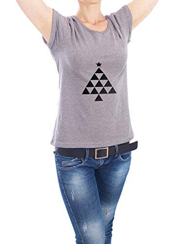 """Design T-Shirt Frauen Earth Positive """"Motiv Tannenbaum"""" - stylisches Shirt Geometrie Natur Weihnachten von OHKIMIKO Grau"""