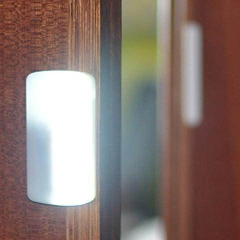 DIY para pegar en cualquier lugar port¨¢til de 8 LED de luz de la l¨¢mpara con pilas Luces puerta del armario Armario Gabinete de luz LED de la noche con el Im¨¢n de barra
