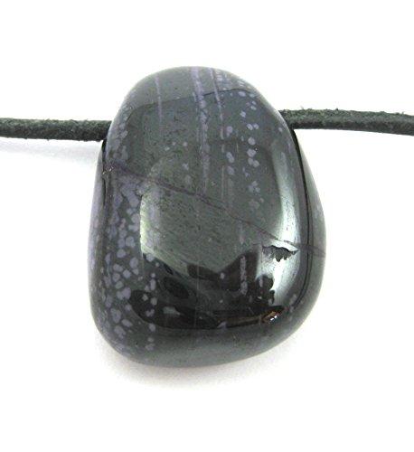 Trommelstein gebohrt Sugilith in Matrix 2,5-3 cm