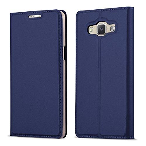 Preisvergleich Produktbild Cadorabo Hülle für Samsung Galaxy A5 2015 (5) - Hülle in DUNKEL BLAU – Handyhülle mit Standfunktion und Kartenfach im Metallic Look - Case Cover Schutzhülle Etui Tasche Book Klapp Style