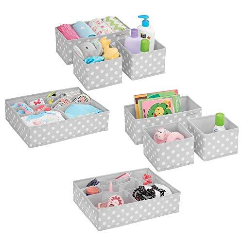 mDesign 8er-Set Aufbewahrungsboxen Stoff - Schubladenboxen mit insgesamt 13 Fächern - Kinderschrank Schubladen Organizer für Kleidung, Kosmetik, Windeln, Tücher, Lotion etc. - grau/weiß