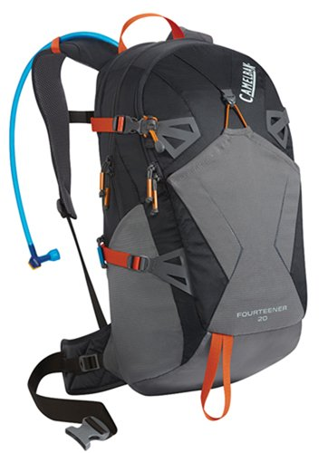 camelbak-fourteener-sac-dhydratation-charcoal-graphite-3-l