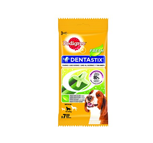 Pedigree DentaStix Fresh Hundesnack für mittelgroße Hunde (10-25kg), Zahnpflege-Snack mit Eukalyptusöl und Grüner Tee-Extrakt, 10 Packungen je 7 Stück (10 x 180 g)