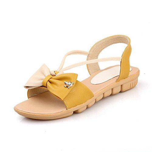 AllhqFashion Damen Eingelegt Niedriger Absatz Offener Zehe Pu Leder Ziehen Auf Sandalen Gelb