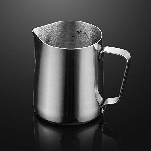 Edelstahl Milch aufschäumen Krug–poliert Kaffee Milch aufschäumen Krug Tasse mit Messskala–Für Espresso Maschine, Kaffee Milchaufschäumer und Latte Maker 430 g (Kaffee-latte Maker)