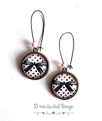 Boucles d'oreilles cabochon, Noeud papillon noir, petit pois fond rose, girly, 50's, 60's, pin up