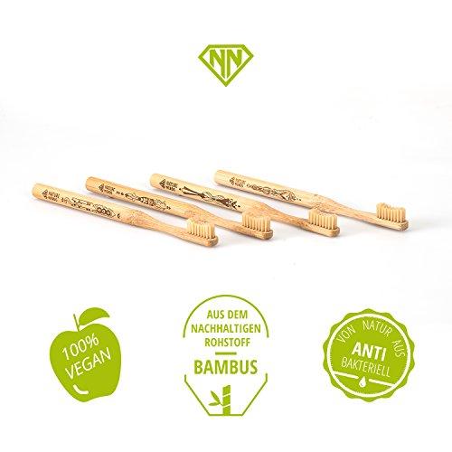 Nature Nerds – Bambus Zahnbürste im Set (4er Pack) ♻ Griff und Verpackung zu 100 % aus nachhaltig angebauten Bambus und zu 100% biologisch abbaubar, 100% Vegan, 100% BPA-frei /// Härtegrad: Mittel, nachhaltige Hand Zahnbürste //// Artwork Laserprint - 3