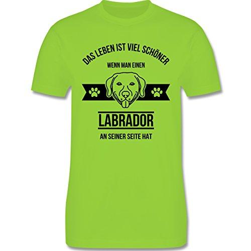 Hunde - Das Leben ist viel schöner wenn man einen Labrador an seiner Seite hat - Herren Premium T-Shirt Hellgrün