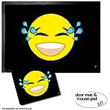 Set: 1 Fußmatte Türmatte (70x50 cm) + 1 Mauspad (23x19 cm) - Emoticons, Emoji Tränen Lachender Smiley