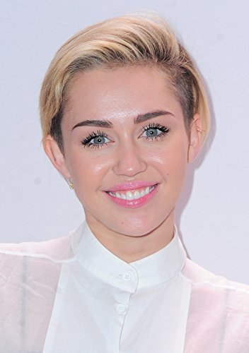 miley-cyrus-in-the-press-room-for-z100s-jingle-ball-2013-presented-by-aeropostale-press-room-photo-p