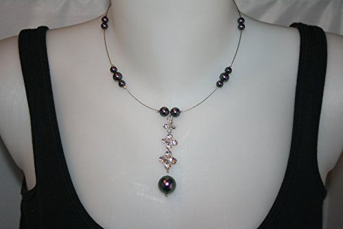 collier-swarovski-nacre-violet-fonce-reflets-avec-pendant-3-azalees-sur-fil-cable-argente-swarovski-