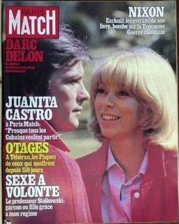PARIS MATCH N° 1612 du 18-04-1980 NIXON - LES EXTRAITS DE SON LIVRE-BOMBE. DARC - DELON.- premier pas DE CONVALESCENCE JUANITA - CASTRO - A PARIS MATCH. OTAGES A TEHERAN. SEXE A VOLONTE. LES CHAMPIONS DE TENNIS ONT LES PLUS JOLIES FEMMES AZNAVOUR SAISI RUINE EN 3 MOIS IL RECONQUIERT LE MONDE JERRY HALL - LA COVER GIRL LA PLUS CHERE DU MONDE GARAUDY LA CHANCE GISCARD UN SKIEUR EN CRAVATE A COURCHEVEL PETER SELLERS RESTE L'ETERNEL AMOUREUX APRES 1 INFARCTUS LES VIRTUOSES DE LA DYNAMITE LE ...