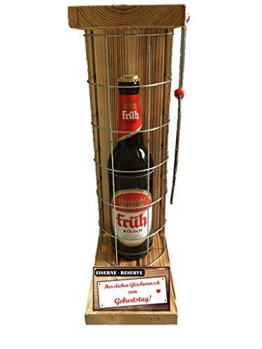 """Preisvergleich Produktbild """"Herzlichen Glückwunsch zum Geburtstag"""" Die Eiserne Reserve mit einer Flasche Früh Kölsch 0,50L incl. Bügelsäge zum aufschneiden des Metallgitters - Das ausgefallenes witziges originelles lustiges Geschenk Geschenkset Flaschenkorb für über 170 verschieden Anlässe - Die Top Geschenkidee mit dem WOW Effekt"""