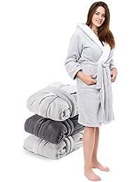 Twinzen Robe de Chambre Femme en Microfibre (100% Polyester) Long avec Capuche pour Adulte Certifié Oeko TEX - 2 Poches, Ceinture et Boucle d'Accroche - Doux et Confortable