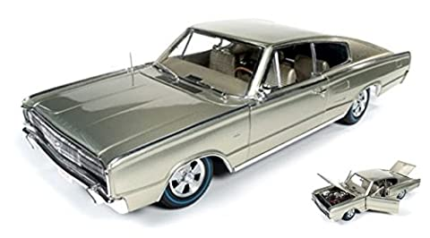 AUTO WORLD AMM1067 DODGE CHARGER FASTBACK (50th ANNIV.) GOLD 1:18 DIE CAST MODEL