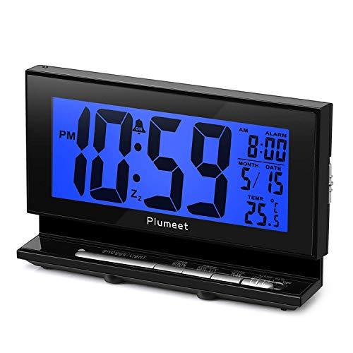 Plumeet Despertador Electrónico con Luz de Sensor, Reloj Despertador Digital LCD Grande con Visualización...