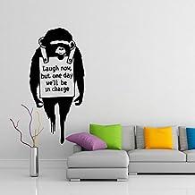(34x70 cm) Banksy Pared Calco Vinilo Mono con Frase Reír Ahora / Chimpancé Con Texto Street Graffiti Decorativo Extraíble Pegatina + Pegatina Gratis Surtido Regalo