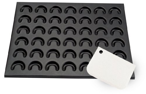 Zenker 3697 Backblech für Vanillekipferl und Käsekipferl 42 x 32 cm inklusive extra weicher Teigschaber