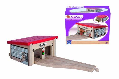 *Eichhorn 100001515 – Bahn, Lokschuppen, 7-teilig, Gebäude inklusive Schienen – Buchenholz*