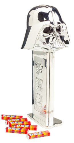 star-wars-giant-pez-silver-darth-vader-limited-edition