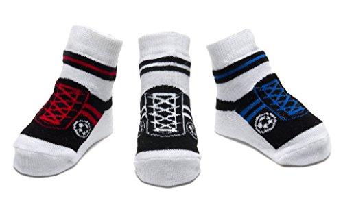 Weiche Baby Socken (Baby Emporio - Baby Anti-Rutsch-Socken im Schuh-Design für Jungen - weiche Baumwolle - mit Geschenkbeutel - 3 Paar - 0-9Monate - Fußball Schwarz-Rot-Blau)