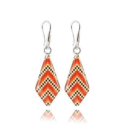 Originales Boucles d'Oreilles Pendantes Forme Géométrique de couleur Orange et Beige; Cadeau Amusant Anniversaire pour ma Copine; Design 3x1.3cm