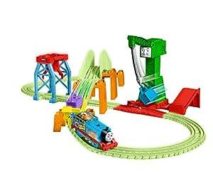 Thomas & Friends- Trackmaster Hyper Glow Night Delivery Playset, Thomas el Motor del Tanque y Amigos, Piezas de Pista Brillantes, Cranky The Grane, Multicolor (Mattel GGL75)