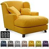 Cavadore XXL-Sessel Assado / Großer Polstersessel in gelb mit Holzfüßen, großer Sitzfläche, Polsterung und 2 weichen Zierkissen / 109x104x145 (BxHxT)