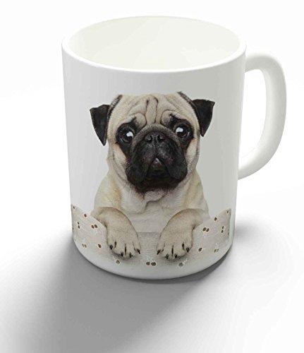Becher / Tasse / Kaffeebecher / Kaffeepott aus Keramik - 330 ml Motiv: Mops schaut frech über Stuhllehne ( 08 )